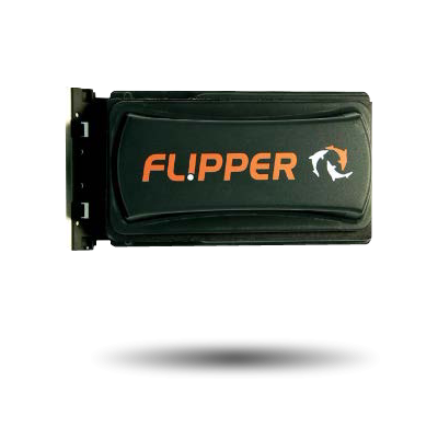 Flipper magnet cleaner