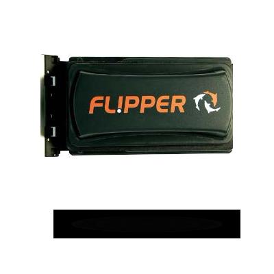 Flipper magnet cleaner